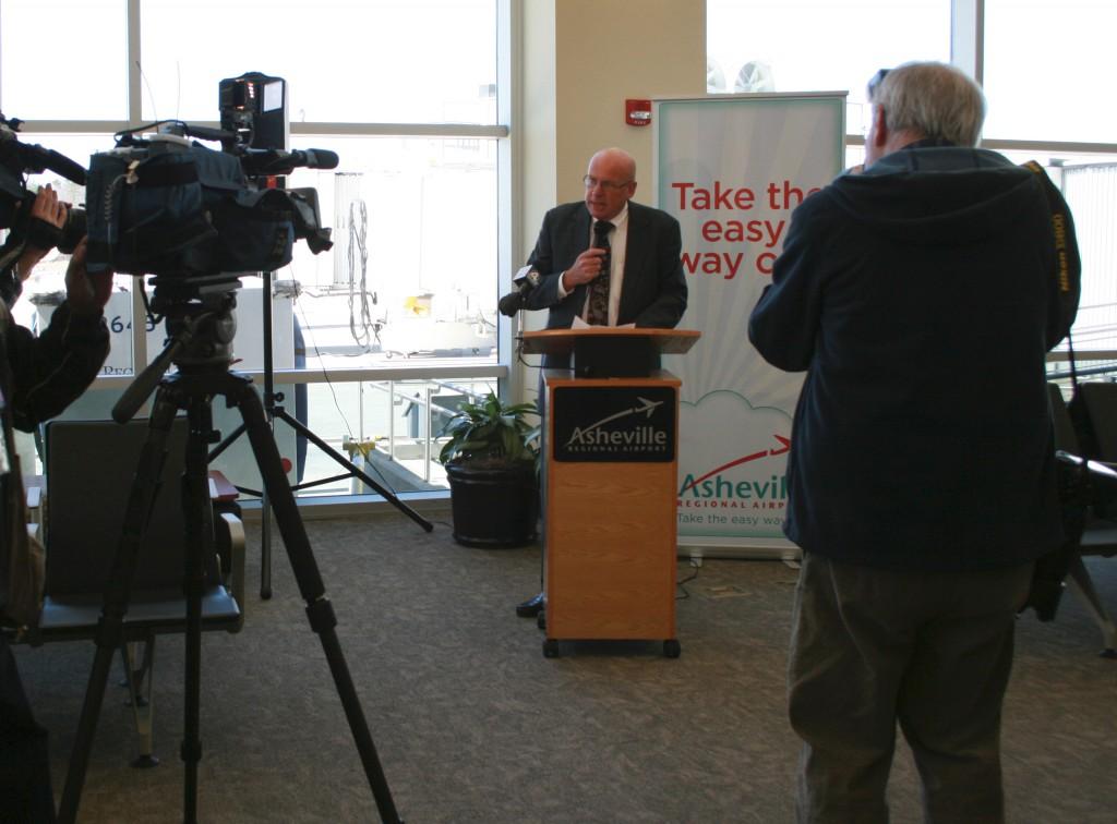 Dave Hillier speaks to media
